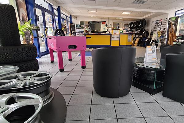 Bild 2 von PBM Fahrzeug- & Reifenservice GmbH