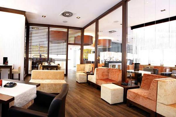 Bild 1 von Roundabout - Italian Kitchen*Cafè*Bar*Smokers Lounge